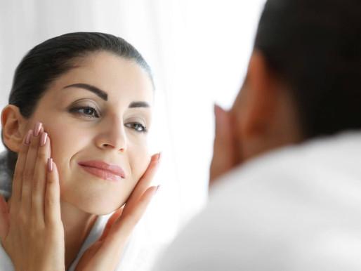Vitamina para mulher: conheça as 7 melhores para cabelos e unhas.