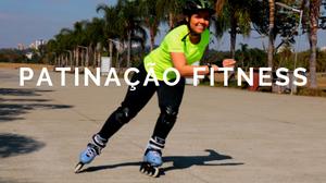 Patinadora de patinação fitness patinando na ilha musical no parque villa lobos