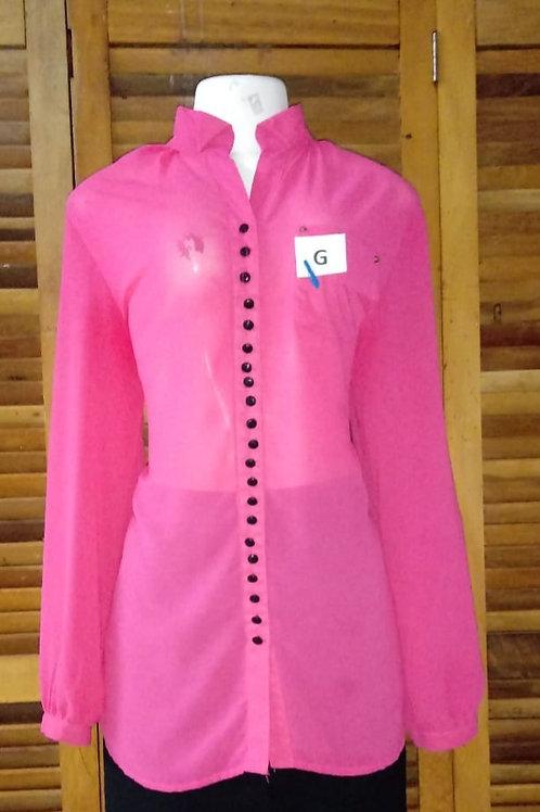 Camisa social rosa com botões pretos