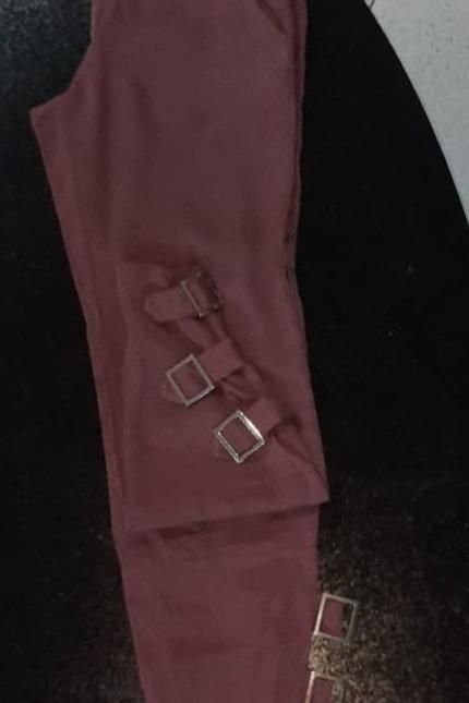 Calça de sarja roxa