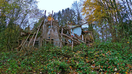 Lost Place -- Zerfallenes Haus