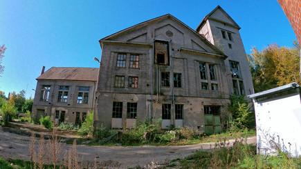 Lost Place - Großes Verlassenes Gebäude