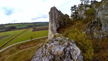 Wandern bei Dollnstein - Trockenhänge, Pulverhöhle und Stupberg