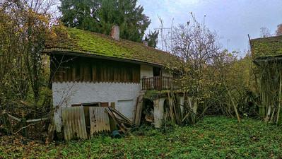 Lost Place -- Verlassenes Haus im Wald