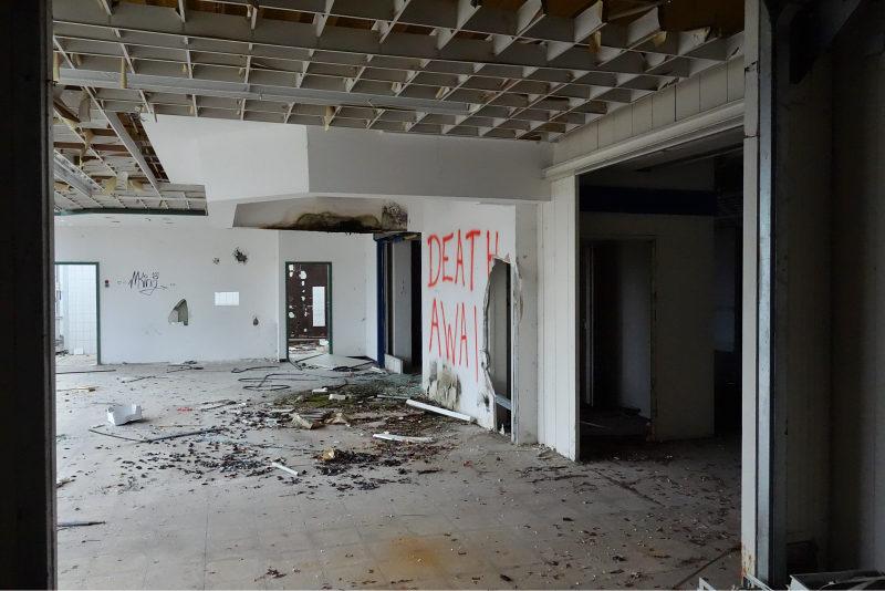 Verlassenes_Möbelhaus_2