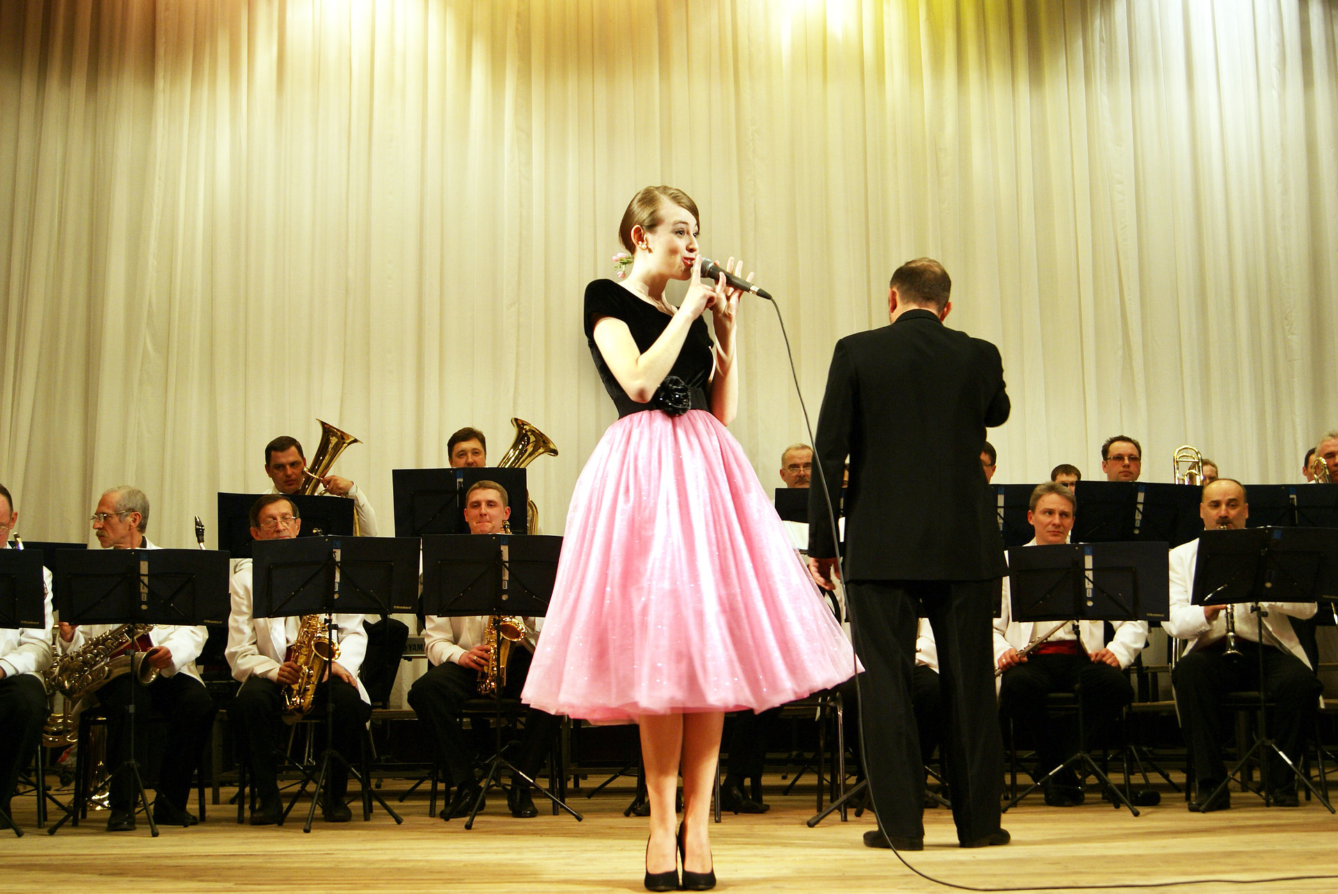 Singing with Governor's Orchestra