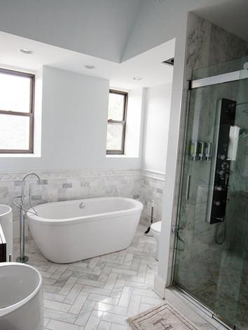bridal_suite_bathroom_1.jpg