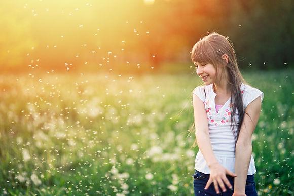 Девушка в полях