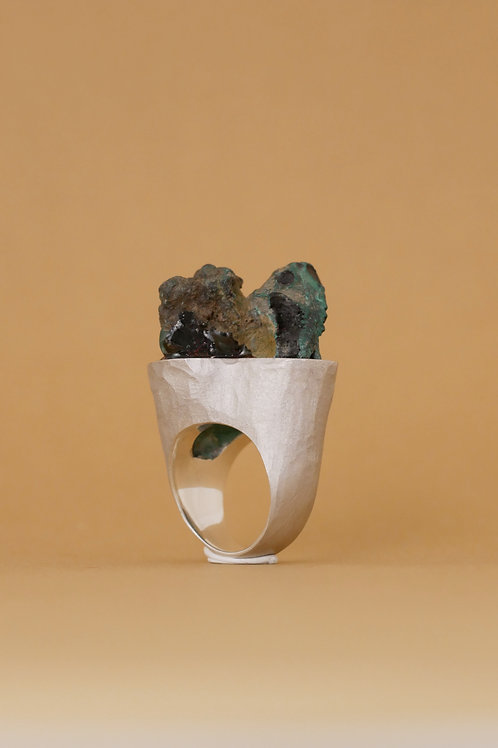 """Ring """"Montagne"""" with malachite"""