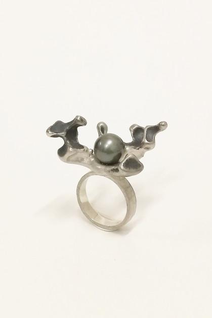 Ring silver with tahiti pearl