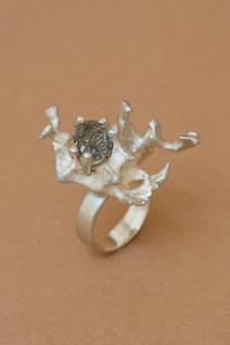 TUKOA-Coral Embrace-Ring Silber mit Turm