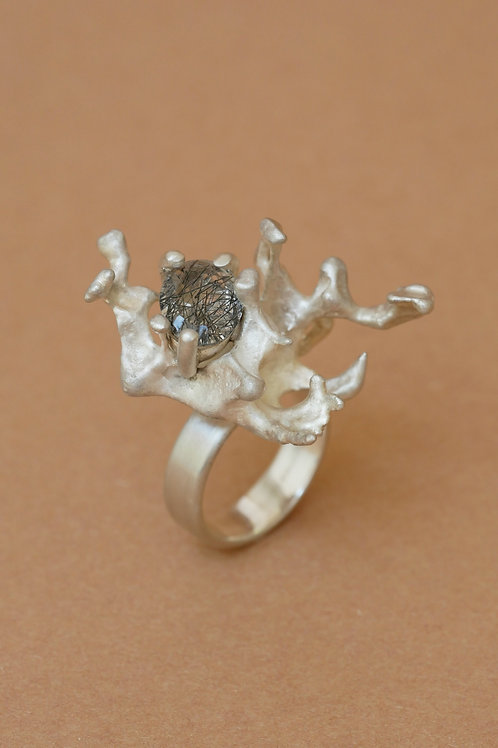 "Ring ""Coral Embrace"" with tourmalinated quartz"