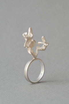 TUKOA-Coral Embrace-Ring Silber.JPG