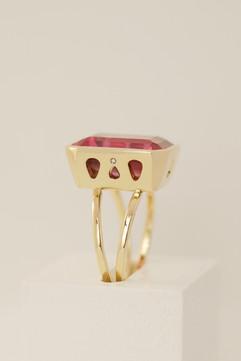 TUKOA-Ring Gold mit Korund.JPG