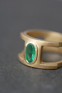Männerring aus Gelbgold & Smaragd-Copyri