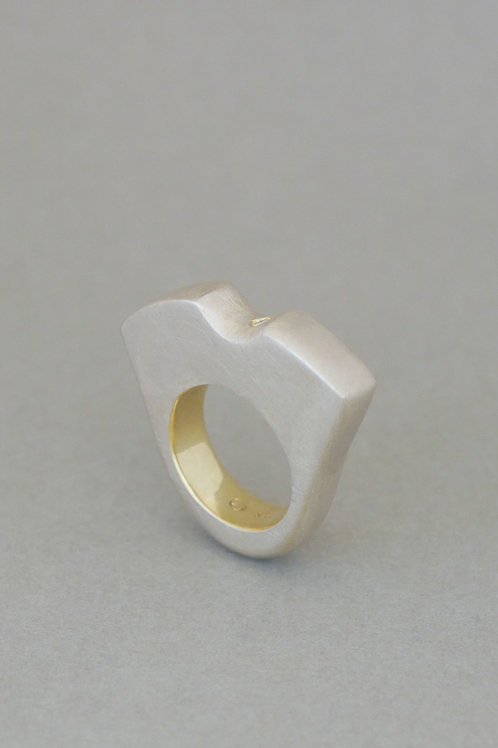 """Ring """"Architecture"""" with diamond"""