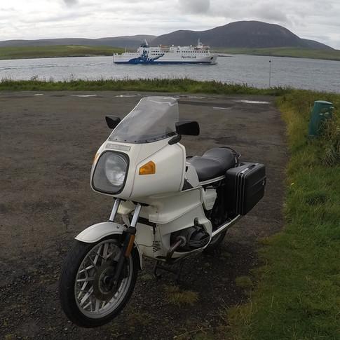 BMW and MV Hamnavoe