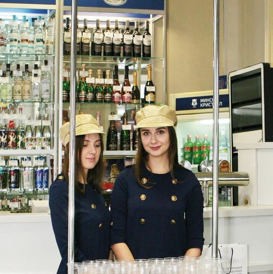 Consumer tasting at the Minsk Crystal store