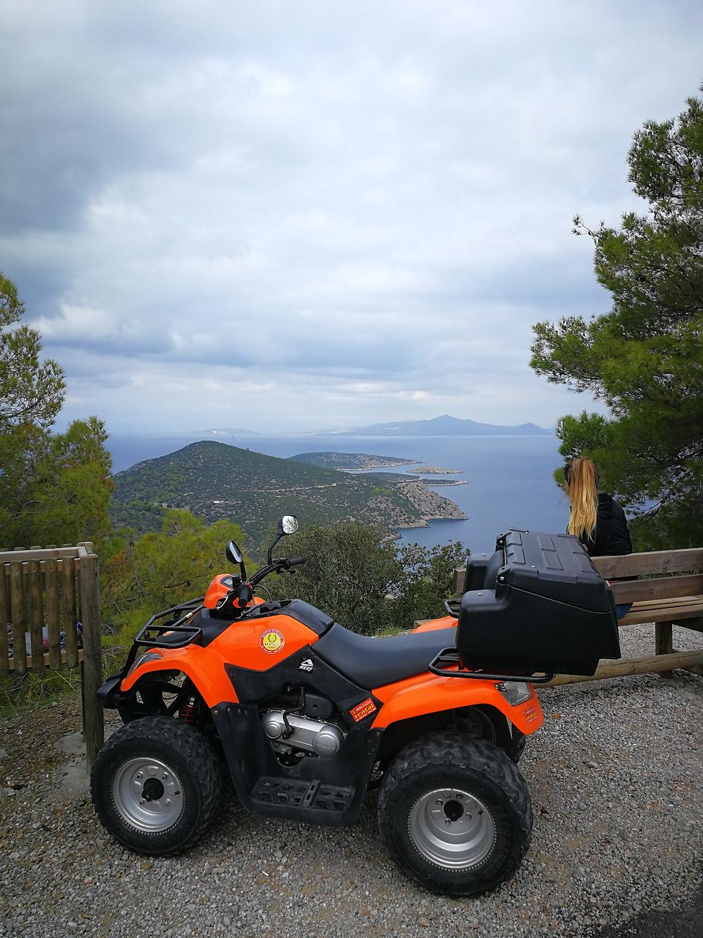 Quad en Grèce