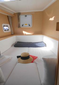Christal Sailing   intérieur du catamaran