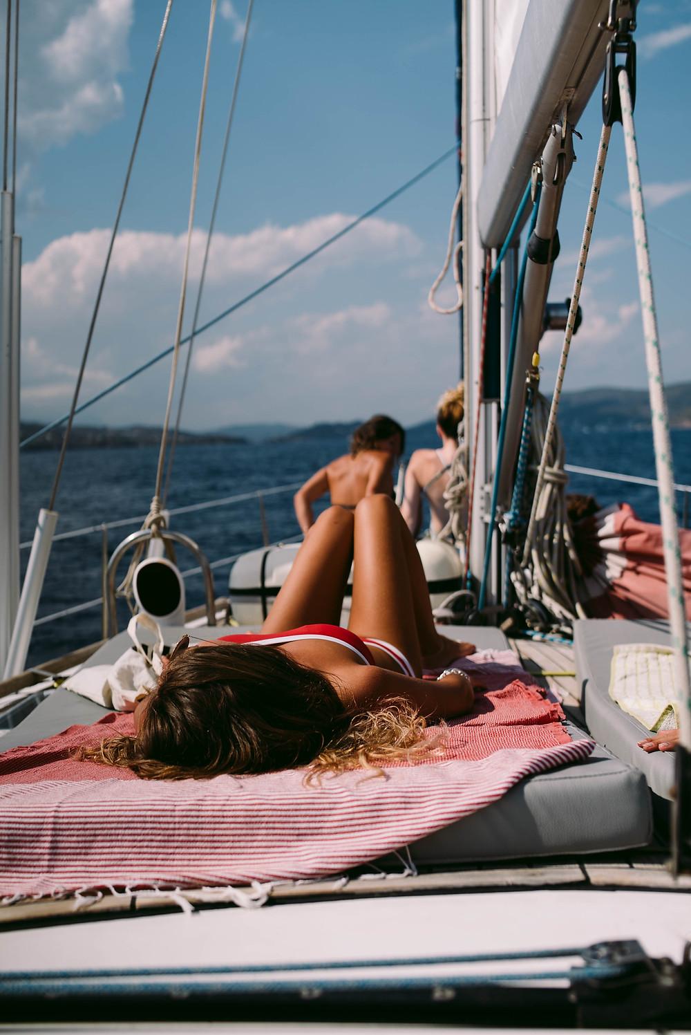 Christal Sailing | vivre à plusieurs dans l'espace restreint du bateau