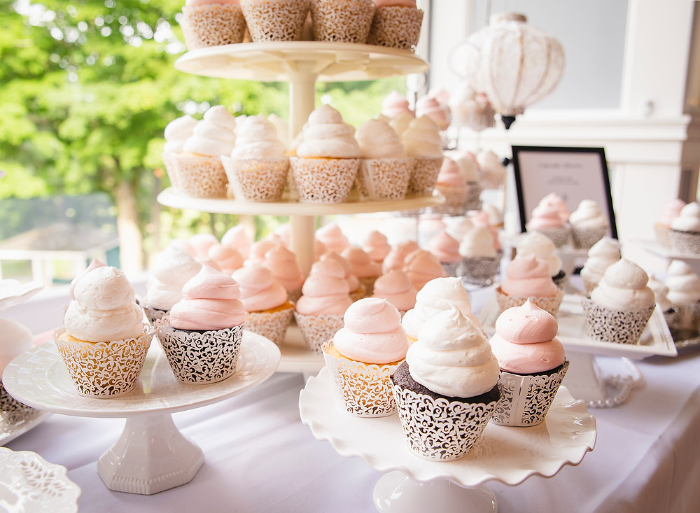 wedding cupcake bar | ct wedding photography