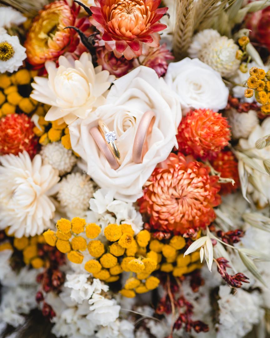 indie fall wildflower bouquet - ct wedding photos