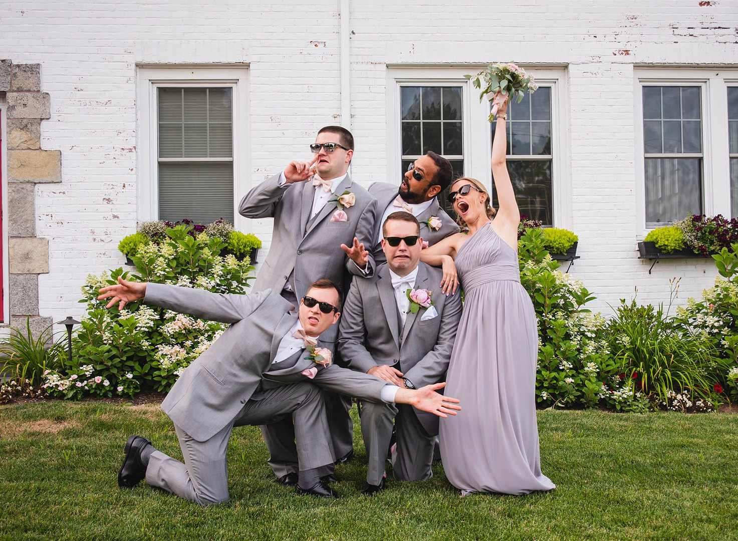 funny wedding party photo at Glastonbury Hills Country Club CT