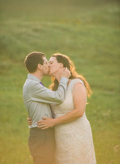 adventure elopement in Connecticut - couple kissing