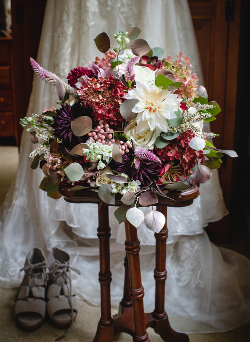 wedding bouquet with wedding dress details