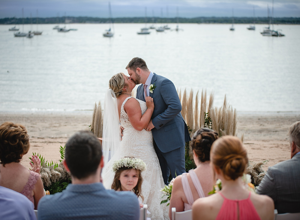micro-wedding at beach cottage in CT