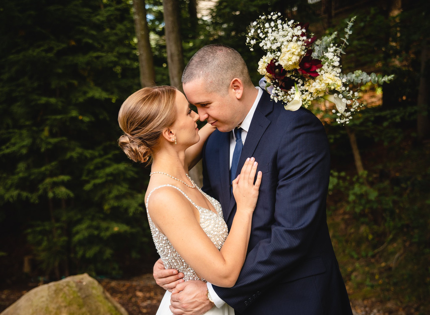 CT wedding photography bride and groom with bouquet