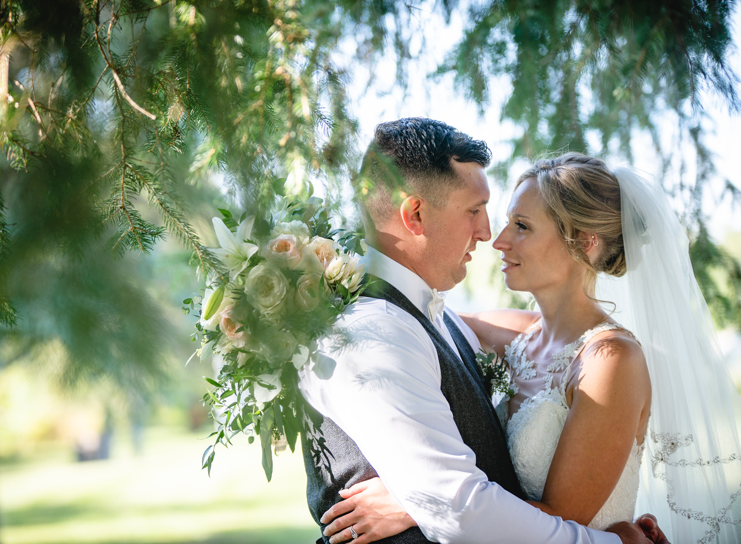 wedding couple hugging at Bunnell Farm