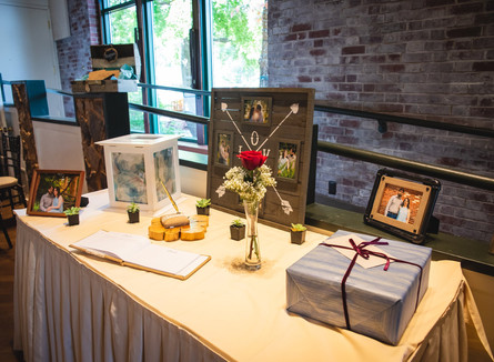 card and gift table at Pond House Cafe wedding