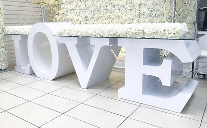WEDDING LOVE TABLE HIRE / BRIDE AND GROOM TABLE
