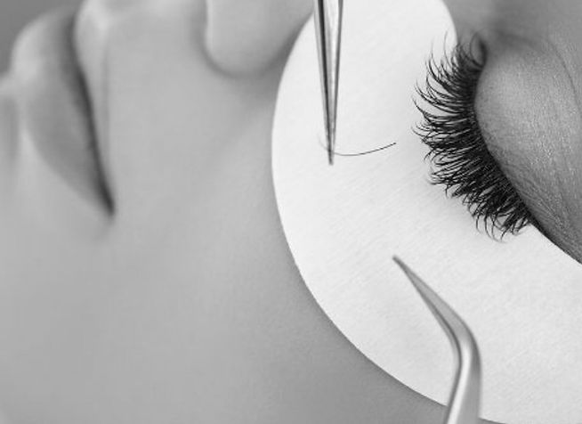 Woman-Eye-with-Long-Eyelashes.-Eyelash-E