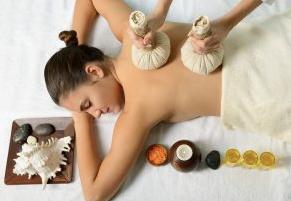 Thaise Kruidenstempel Massage 60 minuten