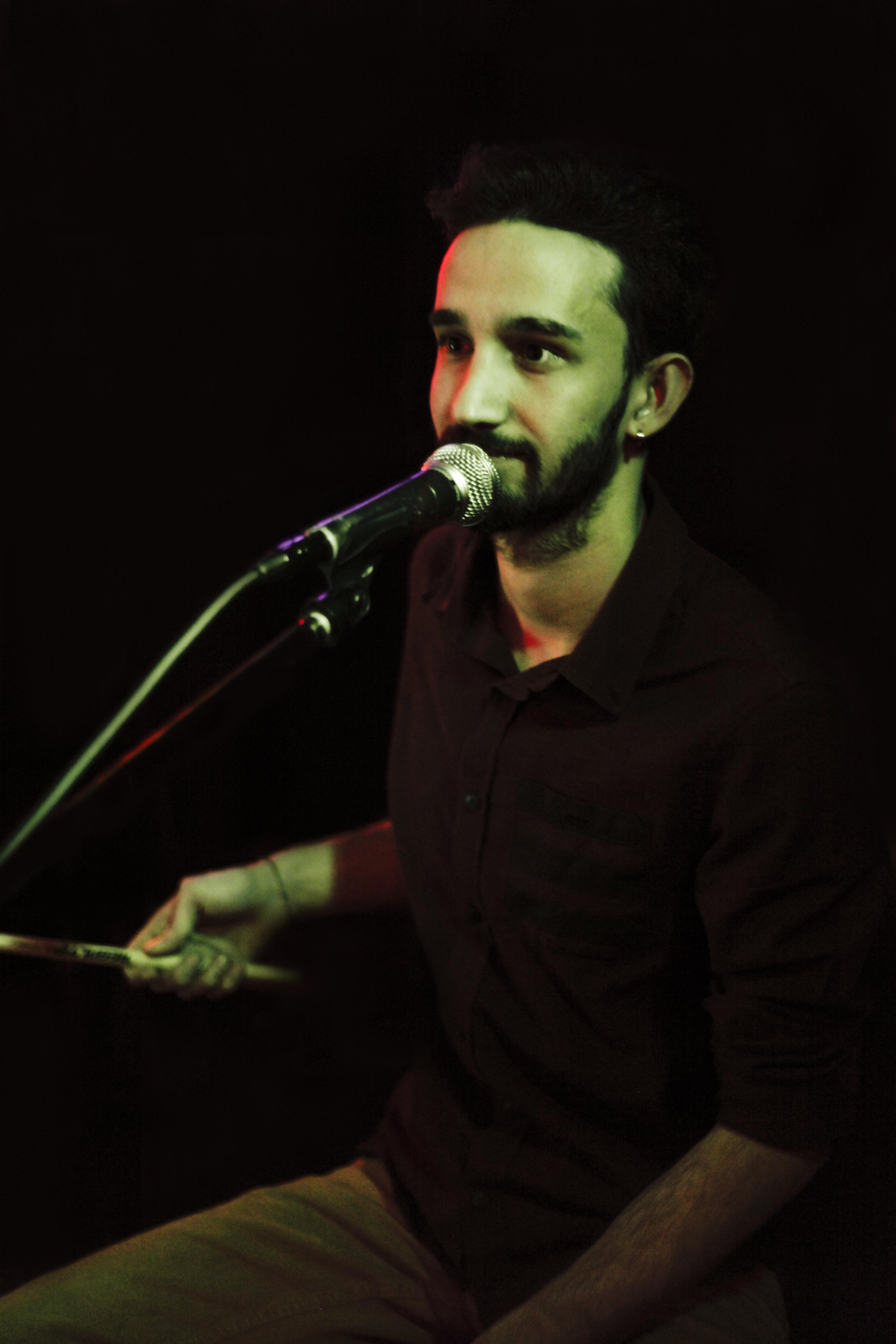Alikaan Uysal (perc, geri vokal)