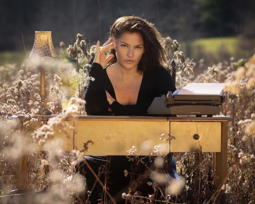 Sasha Graham Tarot Diva and Actress lives and writes in the Catskills and New York City.