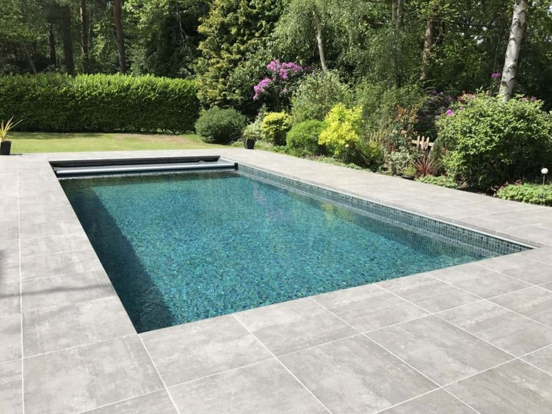 ONE PIECE TILED POOL
