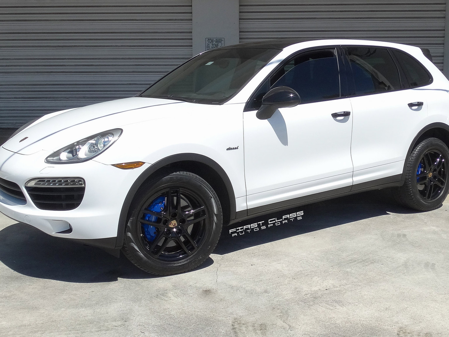 Porsche Cayenne Miami car wraps