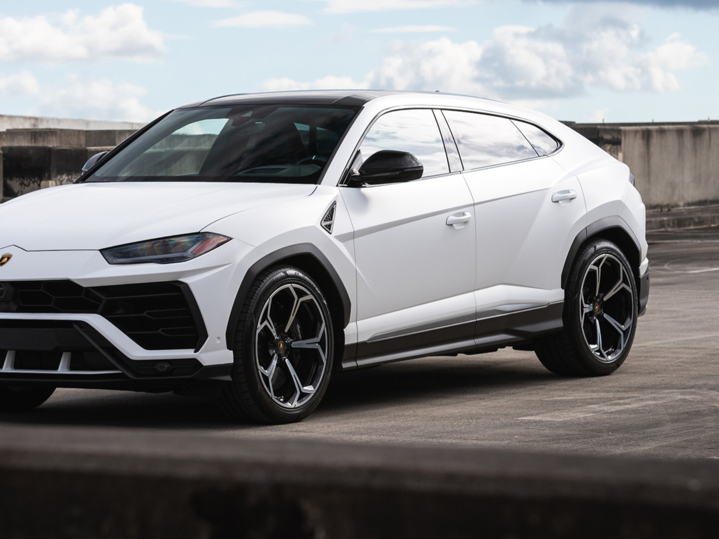 Lamborghini Urus Satin white 3M best car wrap Miami