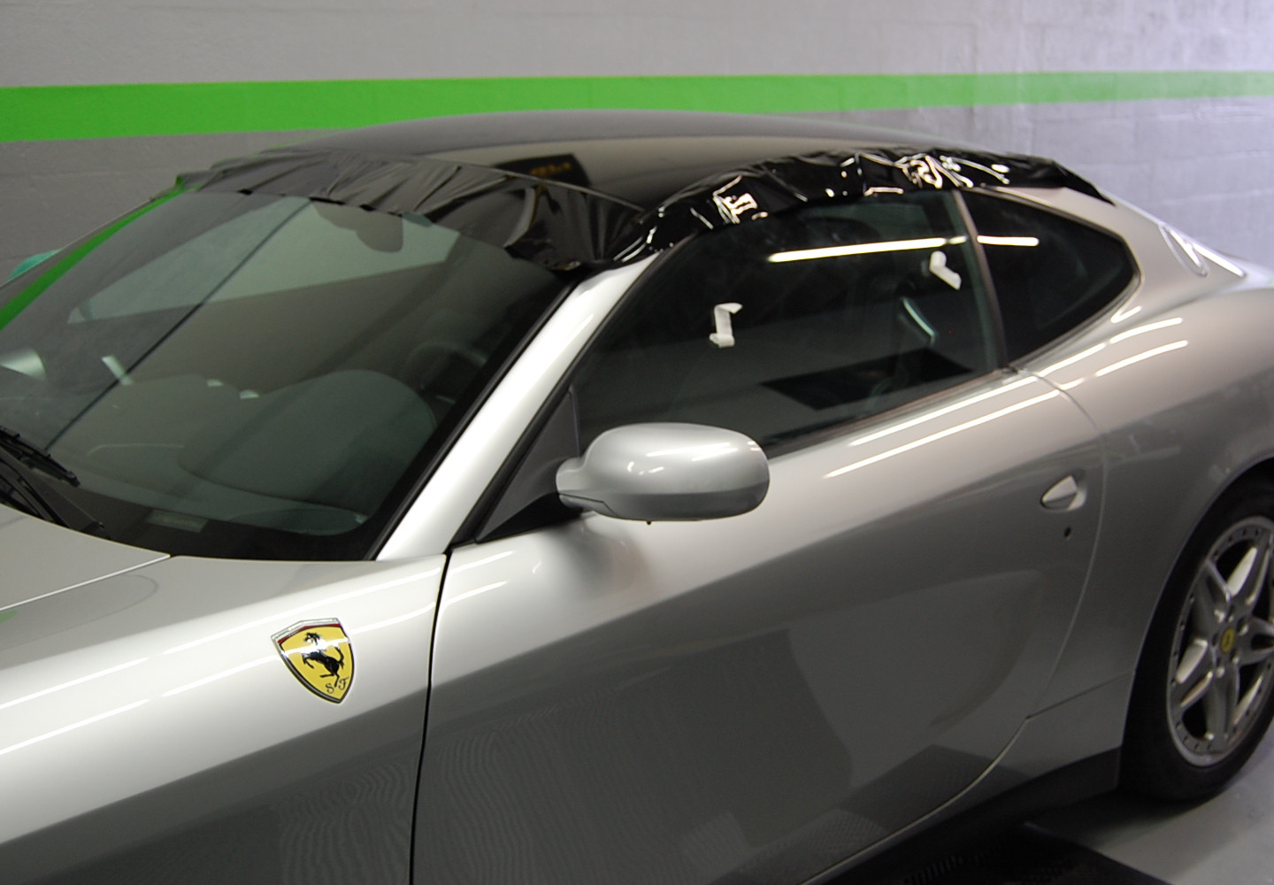 FERRARI GLOSS BLACK ROOF WRAP MIAMI