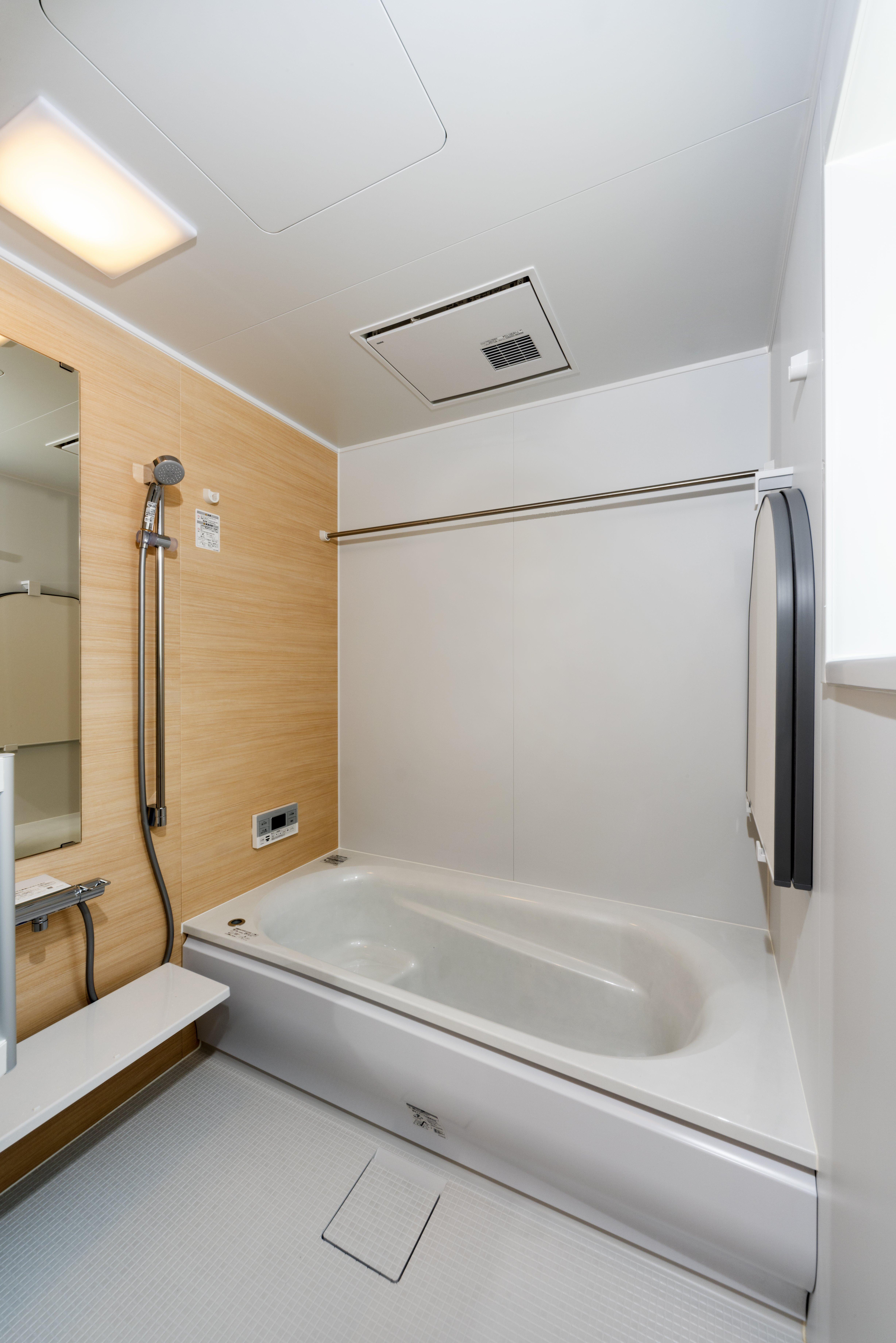 1階 浴 室