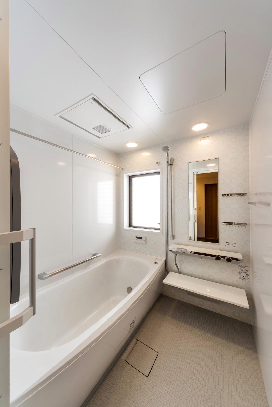 2階 浴 室