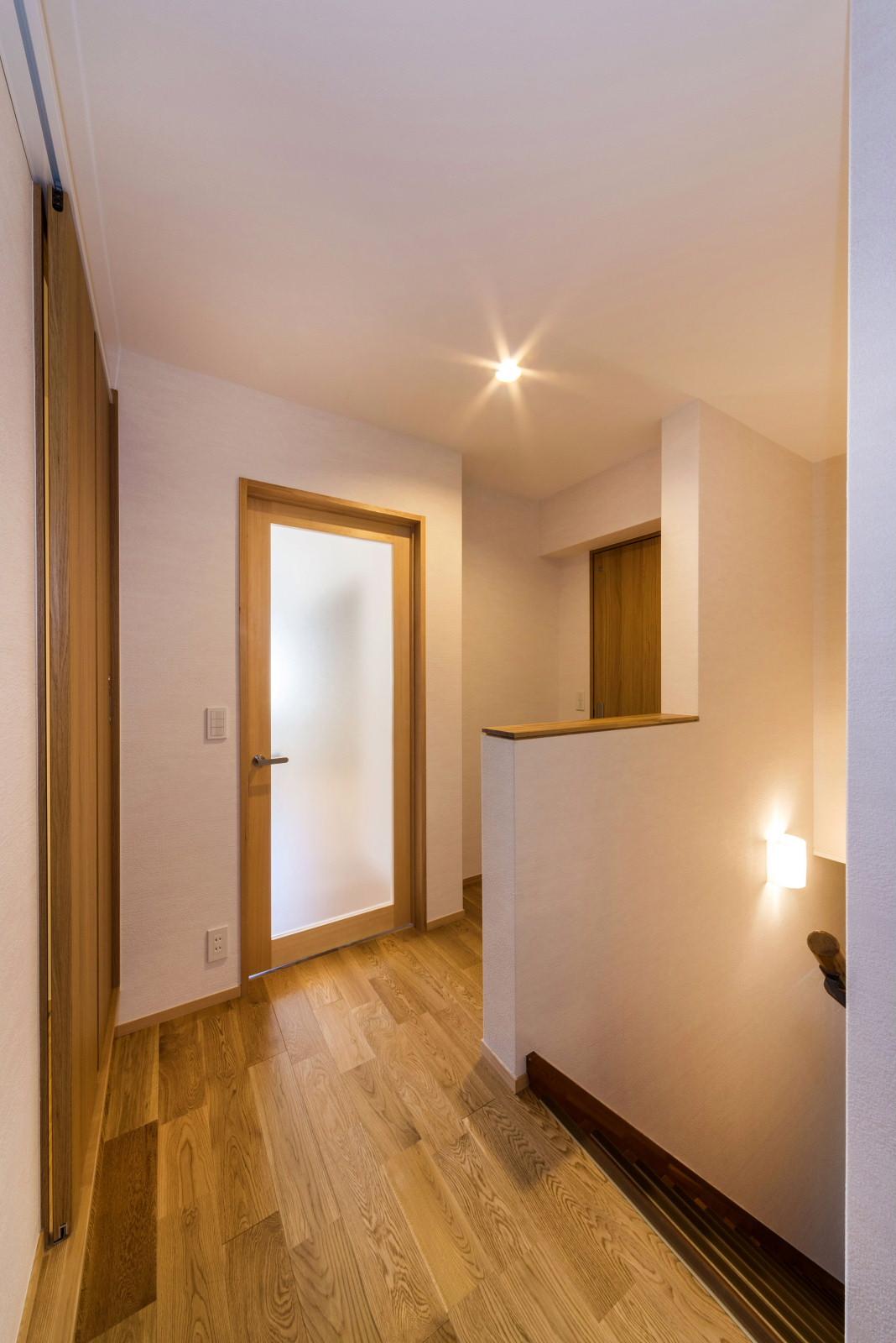 2階 階段・廊下