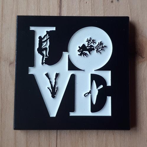 """Love T5 """"Conqueror"""" Geocoin (Regular Edition 100)"""