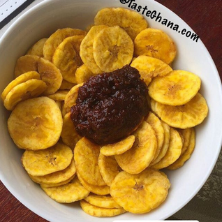 Sheto with plantain chips