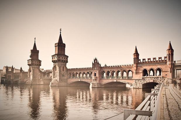 Berlim - Ponte Oberbaum - 92113499_edite
