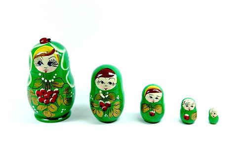 Bonecas Matrioskas verde com joaninha e frutas vermelhas